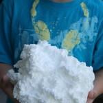 Per creare delle nuvole di sapone basta mettere una saponetta nel microondeper creare delle nuvole di sapone basta mettere una saponetta nel microonde